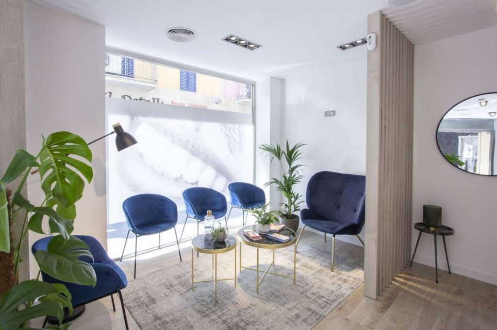 Sala de espera Masri & Anfruns Dental Costa Brava